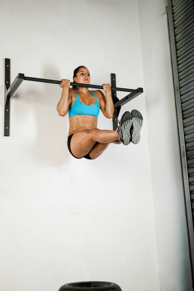 CrossFit Jackie Perez and Wall Mounted StudBar L-Sit Pull up